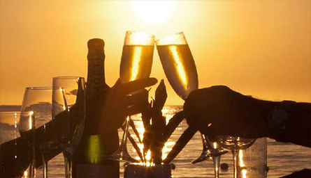 champagne-sunset-toast